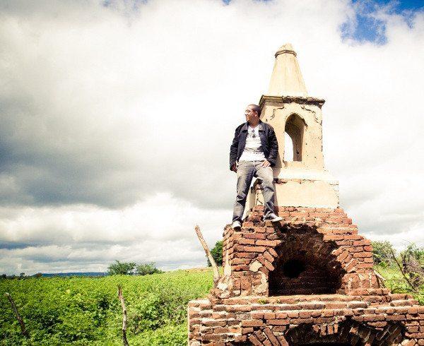 Foto feita pelo Sr. Sebastião; na sepultura não há mais nomes