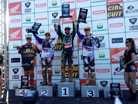 Dudu Lima comemorou muito a vitória na MX2