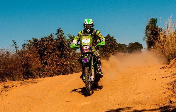Moara Sacilotti, mais uma baixa brasileira no Sertões 2013 - foto de Ricardo Leizer / Dunas Race