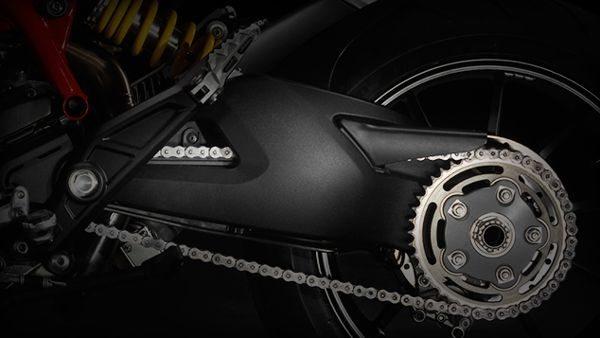 A bela balança monobraço em aluminio fundido oferece boa estrutura com baixo peso