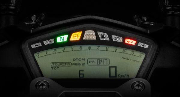 Modos de pilotagem são combinados com curva de potência, forma de atuação do ABS e controle de tração