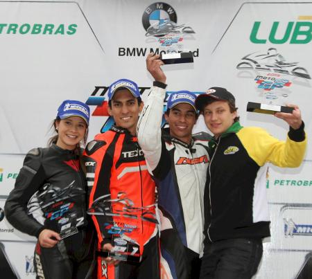 O pódio da GPR 250 em Cascavel teve Igor Calura seguido de Sabrina Paiuta e Joelsu da Silva