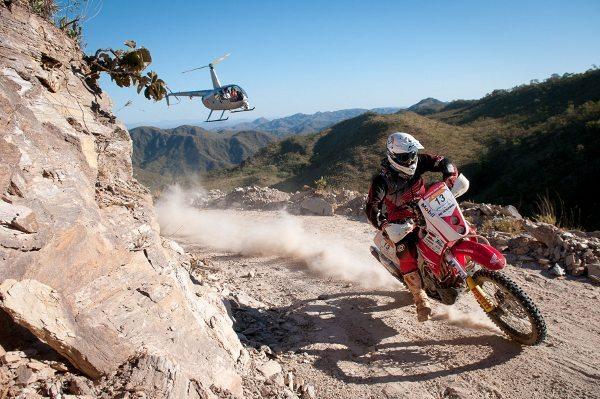 Jean Azevedo passou o dia cuidando para não cair e agravar sua lesão - crédito: DFotos/VipComm