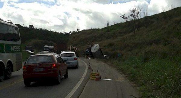 A visão de acidentes em estradas tão perigosas como as que andei é inevitável