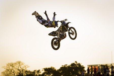 Fred Kyrillos assume a liderança da categoria principal do Campeonato Brasileiro de Freestyle Motocross