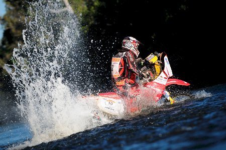 Dário Júlio é piloto da equipe Equipe Honda Mobil de Rali