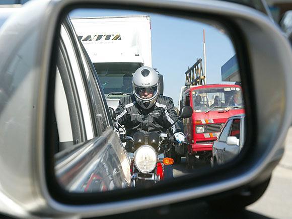Farol aceso para ser visto no trânsito! Obrigação!!!