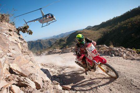 Jean Azevedo, piloto da Equipe Honda Mobil de Rali, participa do vídeo Harmonia no Trânsito