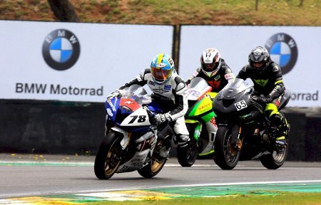 O Moto 1000 GP terá três dias de treinos coletivos no autódromo de Interlagos