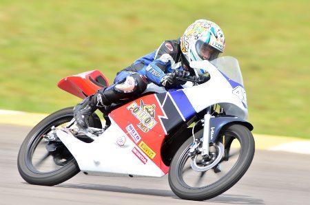 O jovem Lucas Torres (#46) venceu a Honda Junior Cup