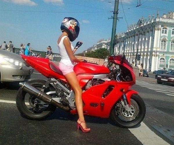 Proteja suas pernas.... elas são as primeiras a tocarem o asfalto quente em qualquer tombinho besta