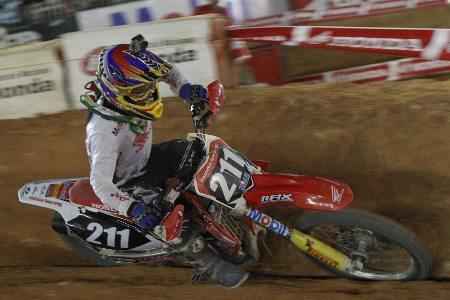 Paulo Alberto é campeão antecipado da MX2 do Arena Cross 2013