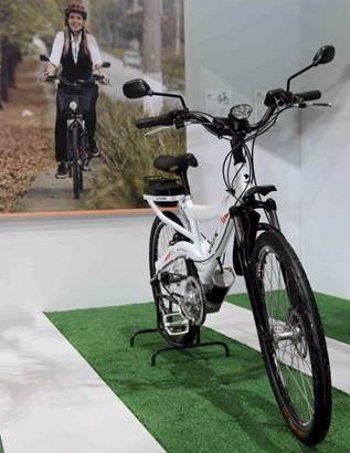 A e-bike Dafra DBT inova com o motor elétrico acolado ao pedivela