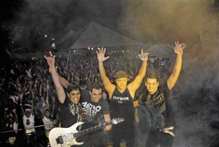 A Faixa Etária é uma das bandas que se apresentarão no 9º Encontro Nacional de Motociclistas de São Pedro da Aldeia (RJ)