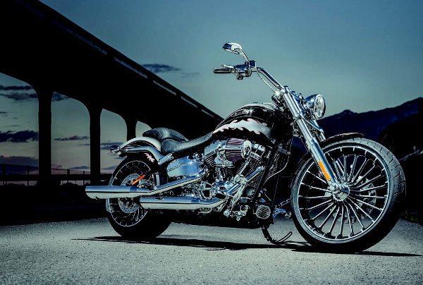 A CVO™ Limited é o modelo mais completo na linha Harley-Davidson