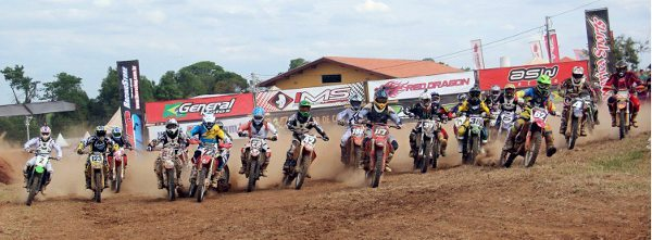 Quarta etapa do Campeonato Norte Paulista de Motocross aconteceu sob forte calor