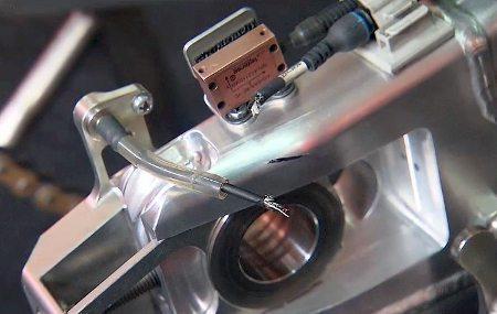 Cabo do sensor do controle de tração da moto de Pedrosa rompido