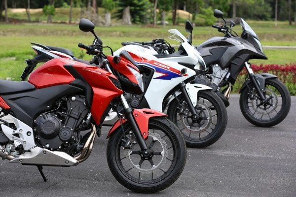 Principais diferenças estão na parte dianteira das três motos da nova família