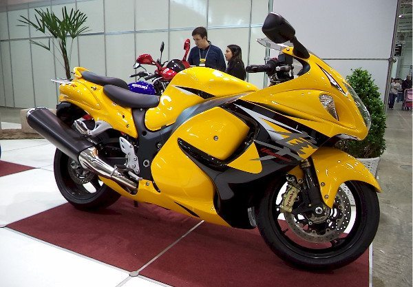 Que tal uma Suzuki Hayabusa amarela?