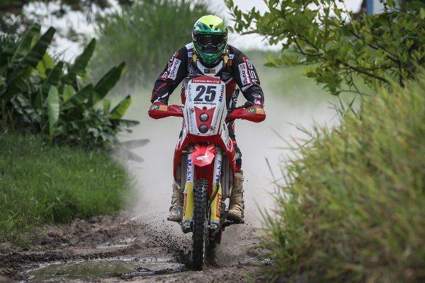 Jean Azevedo intensifica treinos para o Dakar
