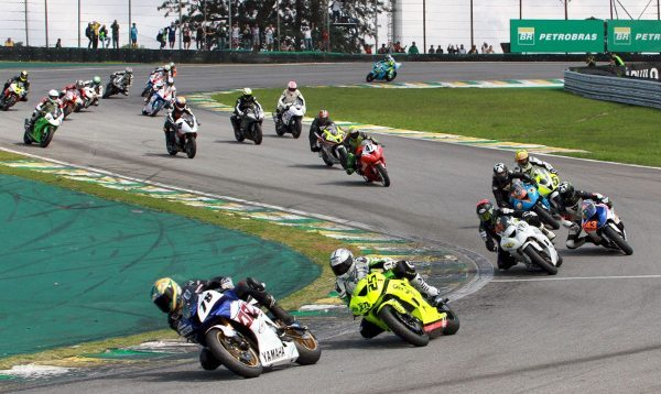 Sete marcas compuseram o grid das categorias de mil cilindradas do Moto 1000 GP em 2013