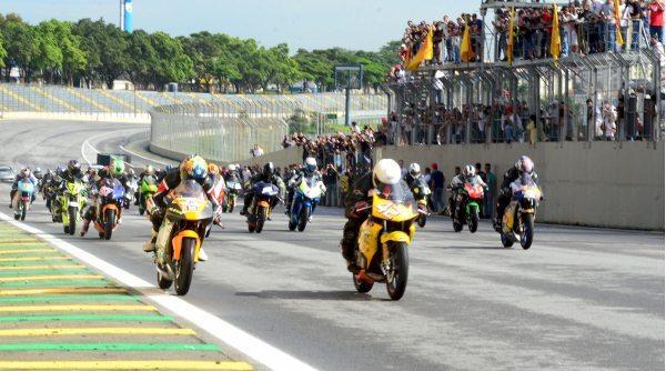 Não perca as 500 Milhas de Interlagos neste final de semana no Autódromo Internacional de Curitiba