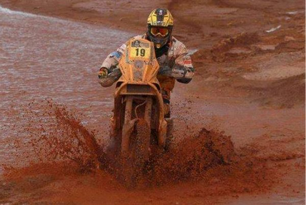 Faltam apenas xx etapas para o final do Dakar 2014 - imagem de divulgação Dakar