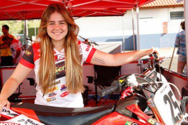 Stefany Serrão vai competir na nova categoria feminina do Arena Cross 2014