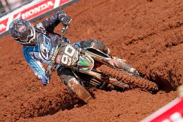 Gustavo Henn retorna às pistas depois de longo tratamento