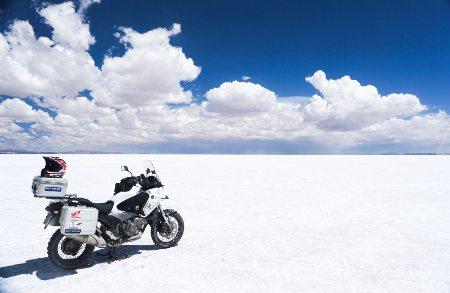 No Salar de Uyuni, o maior deserto de sal do mundo