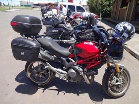 A Ducati equipada para a longa viagem