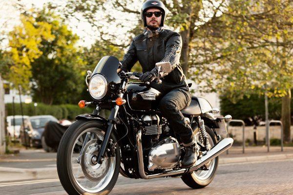 A Triumph levará a Thruxton para o Salão Bike Show ...