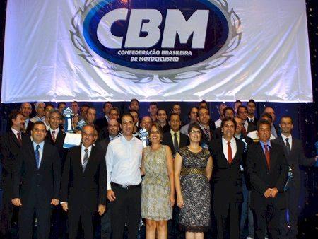 Festa de premiação dos campeões de 2013 promovida pela CBM