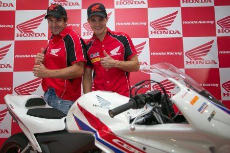 """José Luiz """"Cachorrão"""" e Maico Teixeira, pilotos da Equipe Honda Mobil de Motovelocidade"""