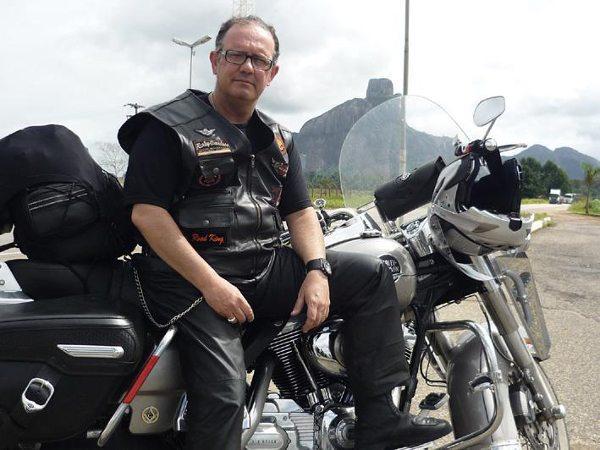 Com sua Harley-Davidson na Bahia; receita para ser feliz