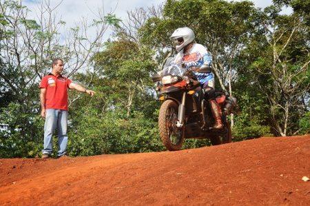 Jean Azevedo ensina a andar em terrenos off-road