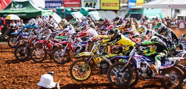 Largada da MX2 no GP Brasil de Motocross, terceira etapa do Mundial de Motocross 2014