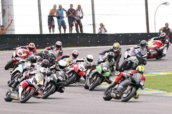 2ª etapa da Copa Pirelli SuperBike acontece neste domingo (9)