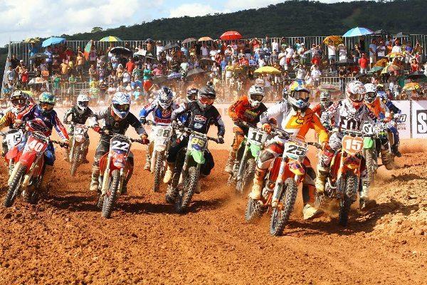 Largada da MX4 na abertura da Copa Minas Gerais de Motocross 2014