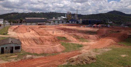 Pista construida em Sarzedo para a primeira etapa da Copa Minas Gerais de Motocross