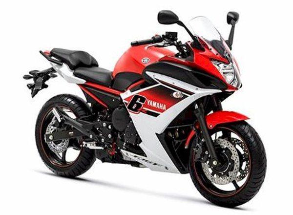Yamaha XJ6 versão completa