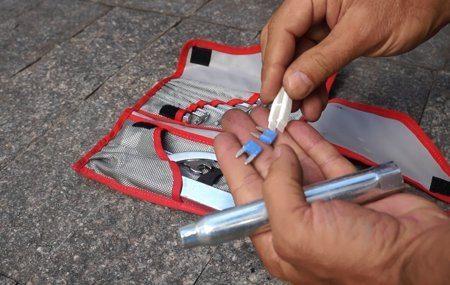 Kit de ferramentas completo e em bolsa especial e resistente mostra o caprinho da marca com seus clientes