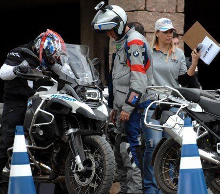 Um rápido test ride na nova moto foi o suficiente para percebemos como ela melhorou