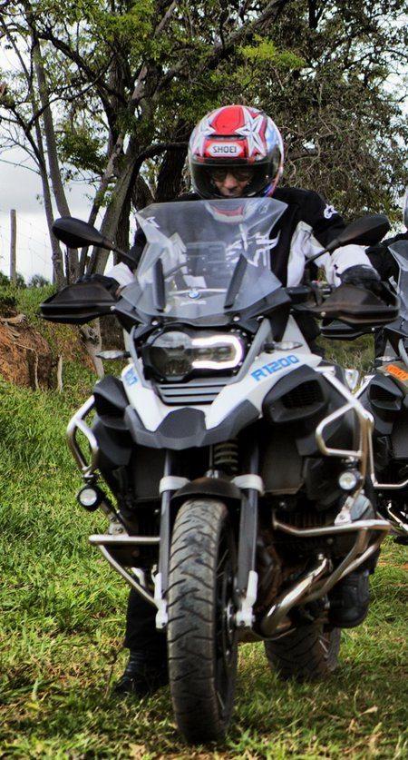 Com a GS na terra, ela se mostrou muito ágil, para o tamanho e peso da moto