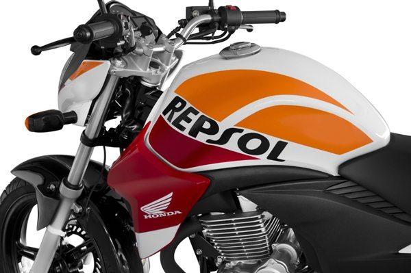 CB 300R com grafismo das motos do Team Honda de MotoGP