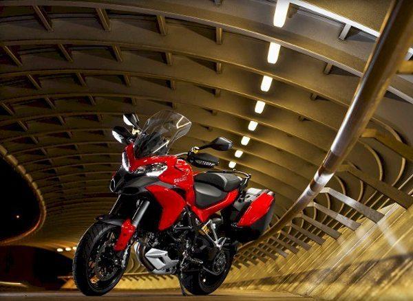A Ducati inicia a montagem do terceiro modelo da marca no Brasil