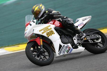 Suzane Carvalho na 1ª etapa do Superbike Series Brasil 2014
