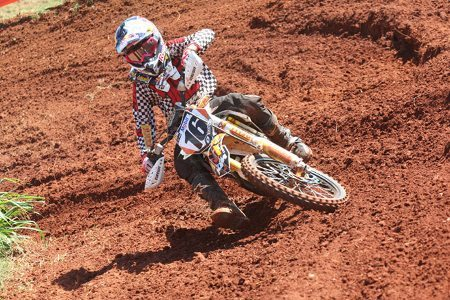 Enzo Lopes se classifica para a próxima fase do Loretta Lynn's