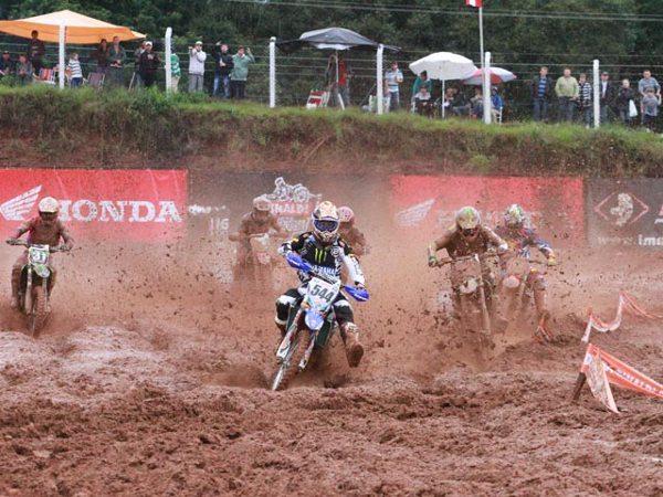 As chuvas de domingo transformaram a pista de Venâncio Aires em um verdadeiro lamaçal