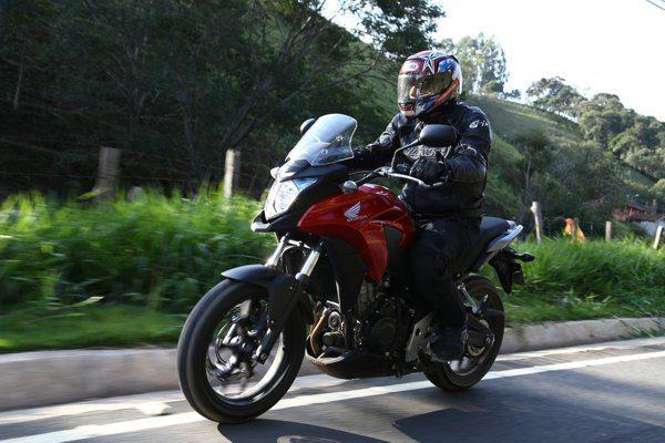 Com design ousado, confortável e amigável, a CB 500X deve liderar as vendas da família 500 da Honda
